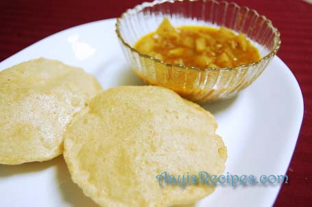 How to make Soft and Puffed Puris / Pooris
