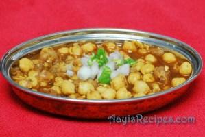Spicy chickpeas (Kala chana)
