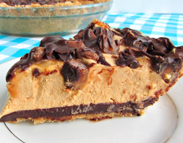 No-bake Candy Bar Pie | A baJillian Recipes