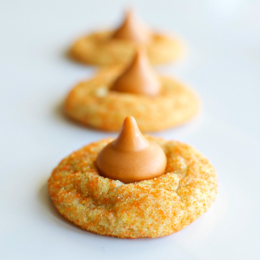White Chocolate Pumpkin Spice Blossoms | A baJillian Recipes