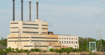 George E. Turner Power Plant - Photo from Wikipedia, 2006