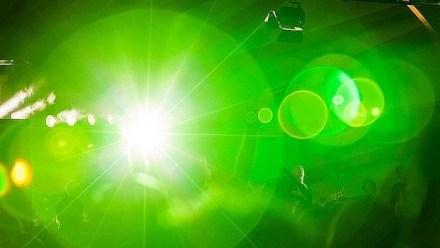Los investigadores tratan de desarrollar una bombilla capaz de emitir una luz verde muy pura y tenue para aliviar esta dolencia