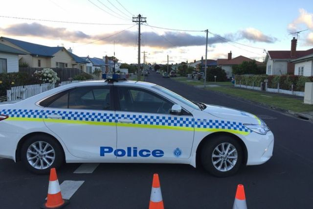 Police roadblock at Maple Avenue, Moonah, due to a siege.