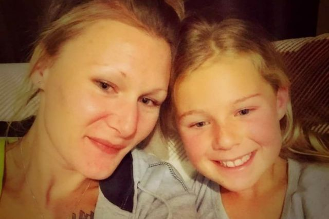 Sarah Newitt and her daughter Phoenix in a selfie