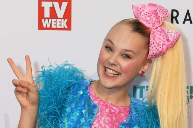 JoJo Siwa arrives at the Logies