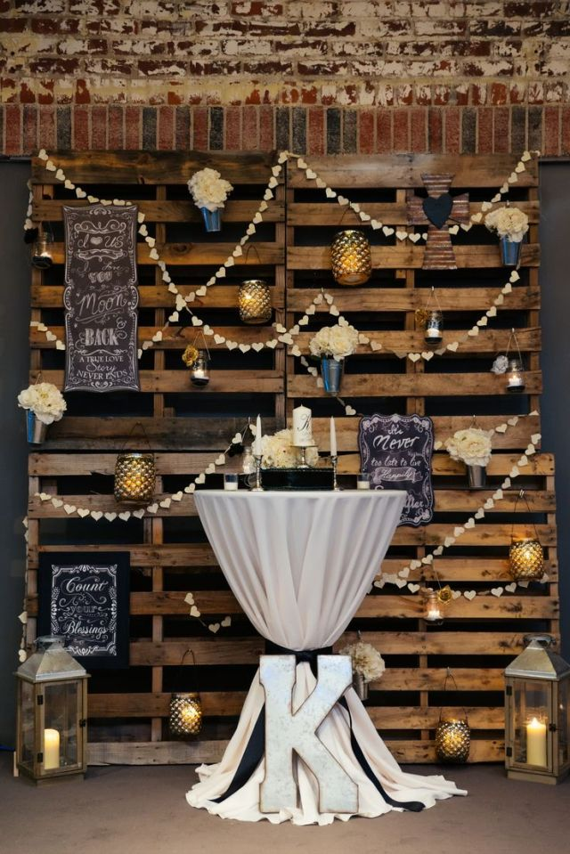 5 DIY Pallet Ideas for Your Wedding