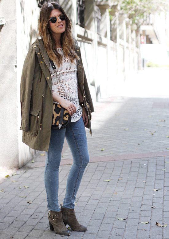Look urbano de verano, utilizando una blusa de croché