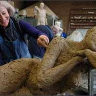 Prijs Philippus Nijs: als verdienstelijke leerling in het 4 de jaar hogere graad atelier beeldhouwkunst: Pascale Dhavé