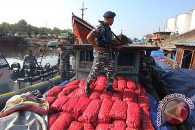 Polisi Gagalkan Penyelundupan Bawang Ilegal ke Aceh