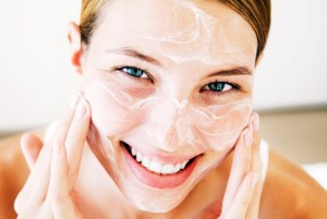 usos del aceite de coco para la cara (3)