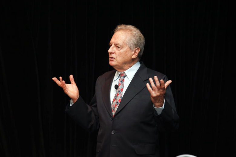 Peter-Ellyard-motivational-Speakers