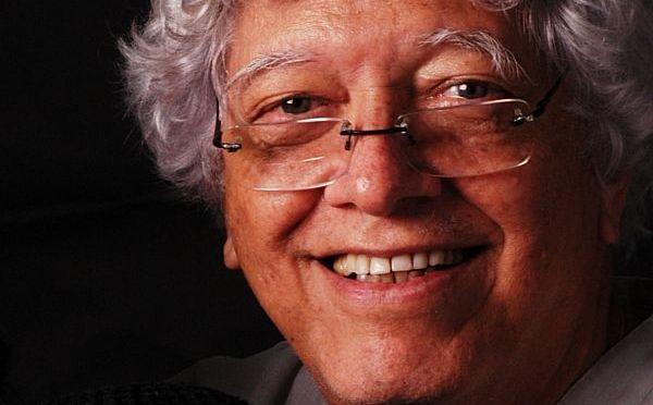 Hermínio Bello de Carvalho lança livro em Petrópolis