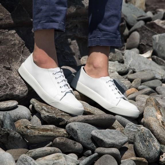White-low-stones