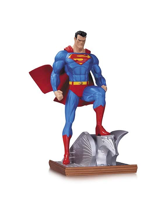 19_SupermanMiniStatue