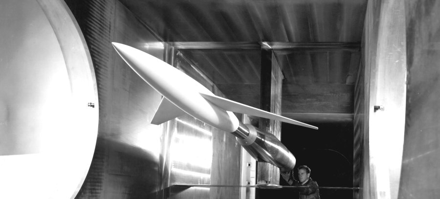 rsz_model_in_supersonic_wind_tunnel_gpn-2000-001631