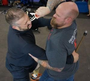 knife-defense