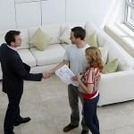 contratar a un agente de bienes raíces