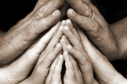 family_praying_hands