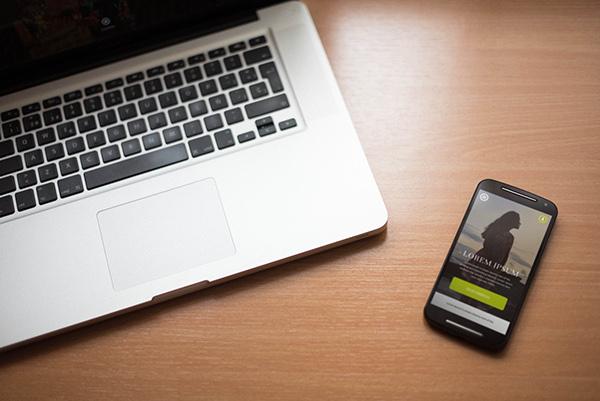 smartphone-macbookpro-mockup8