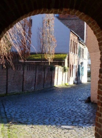 a romantic view in Kaiserworth is just a short drive from the heart of Dusseldorf center