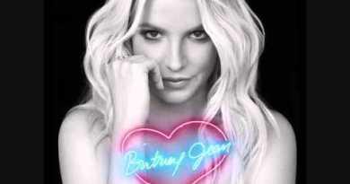 Britney Spears – Tik Tik Boom feat. T.I.