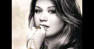 Kelly Clarkson – Let Me Down