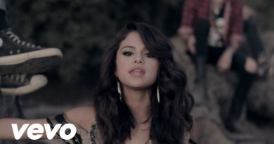 Selena Gomez – Hit The Lights