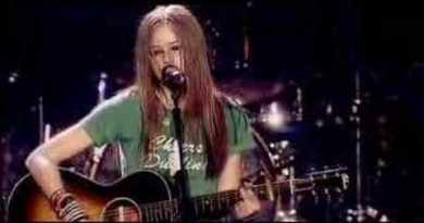 Avril Lavigne – Tomorrow