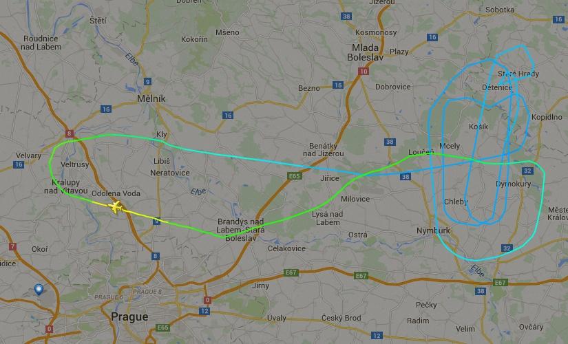 EMBRAER KC-390  - Página 2 Kc-390-na-rep-tcheca-voo-1