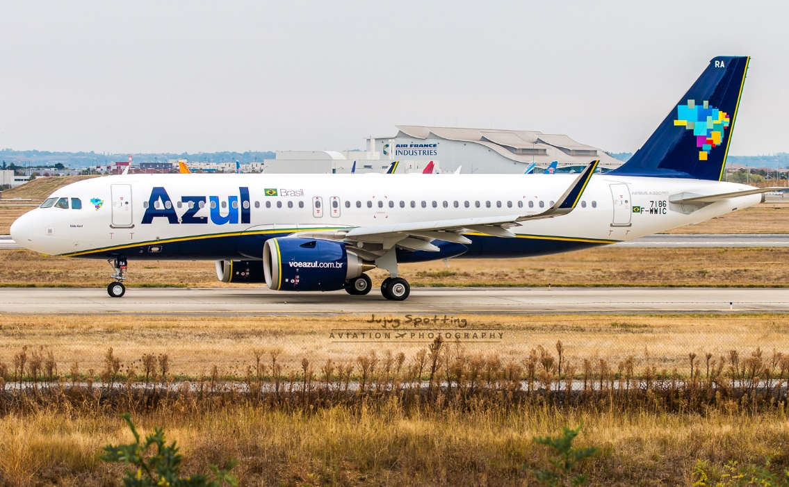 http://i1.wp.com/www.aeroin.net/wp-content/uploads/2016/10/A320-Azul-PR-YRA-Jujug-02.jpg