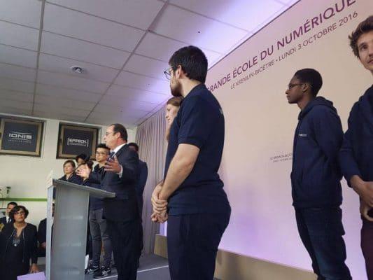 François Hollande, le président de la République, en visite au Campus Paris Kremlin-Bicêtre le 03 octobre 2016