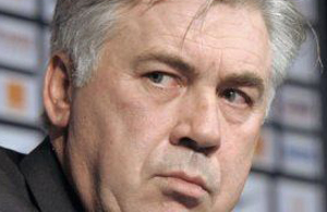 le-nouvel-entraineur-du-paris-sg-carlo-ancelotti-lors-d-une-_515975.jpeg