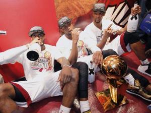 LeBron-James-Dwyane-Wade-et-Chris-Bosh_full_diapos_large