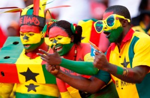 Ghana fans cheer their team during their African Nations Cup Group B soccer match against Mali at the Nelson Mandela Bay Stadium in Port Elizabeth January 24, 2013. REUTERS/Siphiwe Sibeko (SOUTH AFRICA - Tags: SPORT SOCCER)