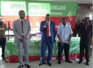 alexis-vagba_micro-en-main-elu-pdt-africa-sport