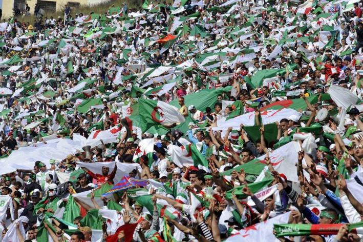 video-le-stade-d-algerie-maroc-plein-huit-heures-avant-le-match_69243_17348
