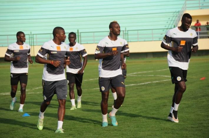les_lions_hier_à_l'entrainemlent_au_stade_de_Mongomo