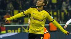 Aubameyang fez três gols na goleada do Dortmund