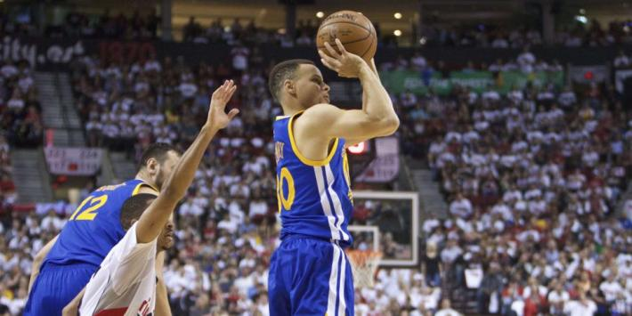 stephen-curry-golden-state-warriors-basket-NBA