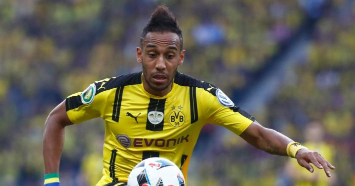 Football Soccer - Bayern Munich v Borussia Dortmund - German Cup (DFB Pokal) Final - Olympiastadion, Berlin, Germany - 21/05/16. Borussia Dortmund's Pierre-Emerick Aubameyang in action.  REUTERS/Kai Pfaffenbach  DFB RULES PROHIBIT USE IN MMS SERVICES VIA HANDHELD DEVICES UNTIL TWO HOURS AFTER A MATCH AND ANY USAGE ON INTERNET OR ONLINE MEDIA SIMULATING VIDEO FOOTAGE DURING THE MATCH.  - RTSFB3T