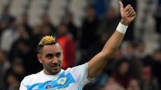 Olympique de Marseille's French forward Dimitri Payet celebrates at the end of the French Cup football match between Marseille and Lyon, on January 31, 2017 at the Velodrome stadium in Marseille, southern France. / AFP / ANNE-CHRISTINE POUJOULAT        (Photo credit should read ANNE-CHRISTINE POUJOULAT/AFP/Getty Images)