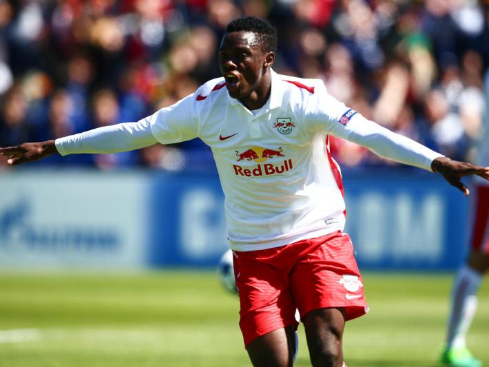 NYON,SWITZERLAND,21.APR.17 - SOCCER - UEFA Youth League Final Four, Red Bull Salzburg vs FC Barcelona. Image shows the rejoicing of Patson Daka (RBS). Photo: GEPA pictures/ Felix Roittner