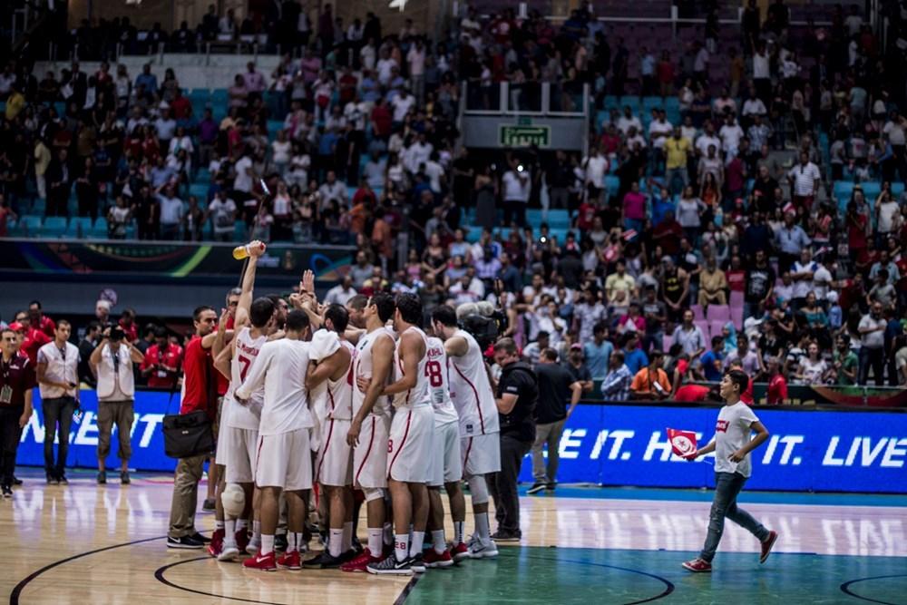 L'Angola domine (37-34) le Sénégal à la mi-temps — Afrobasket masculin