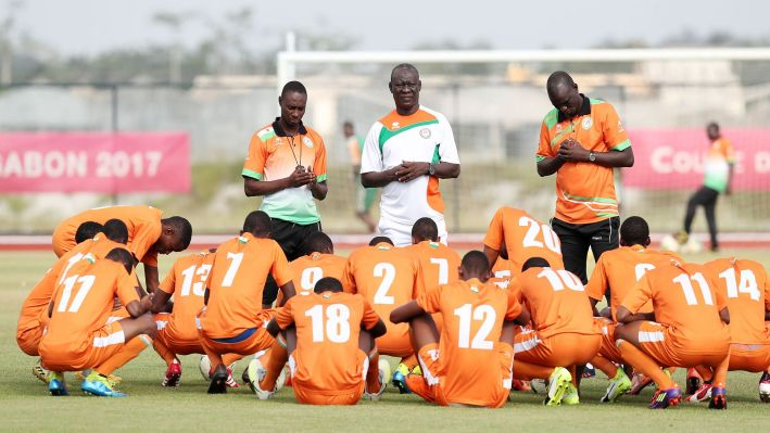 Tiemoko Ismaila, coach of Niger talking to players during the 2017 Under 17 Africa Cup of Nations Finals Niger Training Session at the Port Gentil Stadium, Gabon on 23 May 2017 ©Muzi Ntombela/BackpagePix