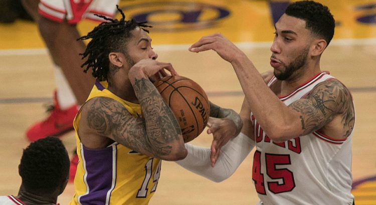 Les Lakers renversent Chicago