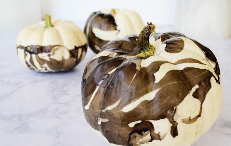 ahappyblog-marbled-pumpkins-DIY