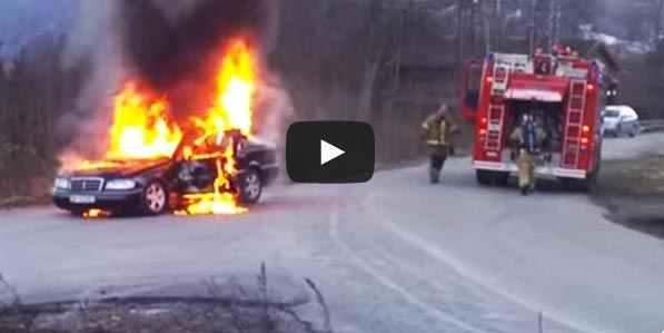 فيديو عملية اطفاء سيارة مشتعلة شاهد نجاحها بأعجوبة