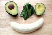 الأفوكادو للاطفال فاكهة في المرتبة الأولى لدعم نموهم