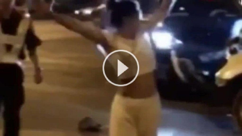 بالفيديو: دهسته ورقصت فوق جثته رقصة غريبة !