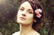 اكسسوارات شعر من الورود لكي و لإبنتك للمزيد من الجمال و التألق